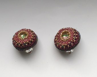 Beadwoven Garnet Clip on Earrings . Gold& Garnet Beadwork . Silver Plated Clips . 24 mm - Red and Green Glass Oval by enchantedbeads on Etsy