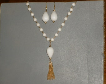 Vintage tassle necklace and matching earring set