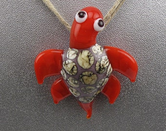 Handmade Lampwork Glass Turtle Pendant by Jason Powers SRA