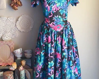 Sweet Vintage 80s Floral  Print Off Shoulder Garden Party Dress