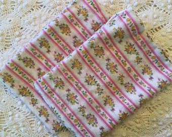 Pair of New Old Stock Vintage Pillow Ticks - Pillow Cover - Pink and White - Flowers - Zipper Pillow Cases - Farmhouse Linens -Dolly Madison