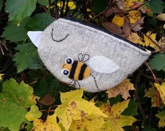 Zippered coin purse pouch purse felt wool light gray birdie bird bee