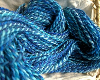Summer Skies, handspun wool yarn, 66 g/158 yds