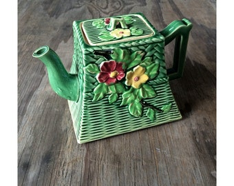 Stunning Vintage Green Teapot - Made in Japan - Basket Weave Teapot