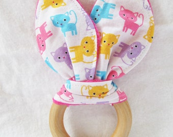 Natural Wooden Teether with Crinkles - Kitty Kitty in Pastels - New Baby Girl Gift - Natural Teething