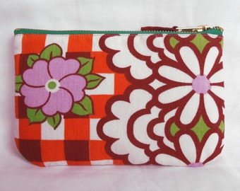 1970's Retro Vintage Make Up Bag, Zip Purse, Pouch - Orange Gingham Floral Print. Ipod & Earphones Case