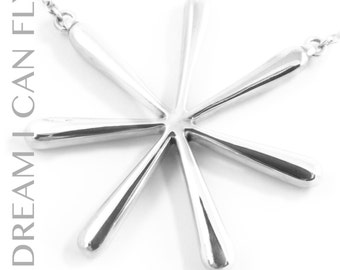 Flower necklace in polished sterling silver