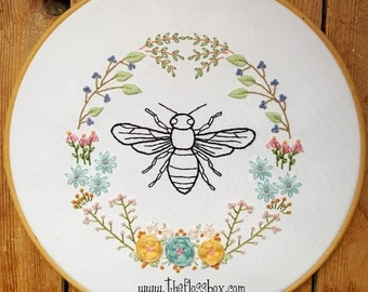 Bee Floral Embroidery Pattern