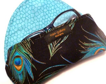 Peacock - Eyeglass Case - Magnetic Clasp - Magnetic Closure - Peacock Feathers