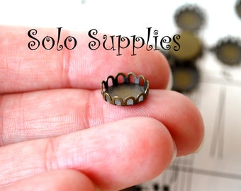 25 10mm Scalloped Antiqued Bronze Bezel Cups Settings Flatback Holder for 10mm cabochons
