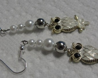 Simulated Pearl Owl Dangle PIerced Earrings