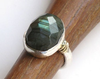 Labradorite Silver Ring, Sterling Labradorite Ring, Green Stone Ring, Facetted Stone, Green Ring, Green Gemstone , Silver Gold Ring,