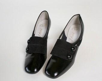 ON SALE Vintage 1960s Heels - Mod Spat Patent Shiny Button Heels - US 6 Euro 36