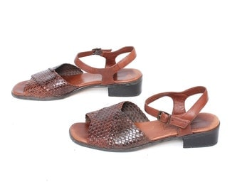 size 10 HUARACHE brown leather 80s BUCKLE summer spring sandals