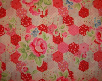 SALE Pink and Red Rose Patchwork Hexagon 31128 by Lecien Fabrics Flower Sugar Clearance