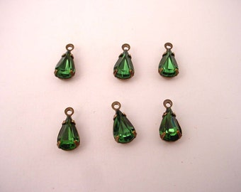 Vintage glass emerald green machine cut  pear antique brass ox setting 10x6 - 6 Pieces 1 ring charm