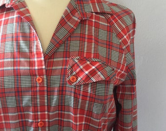 Vintage 1970s Levis plaid button up / Red and white plaid shirt / Levis button up