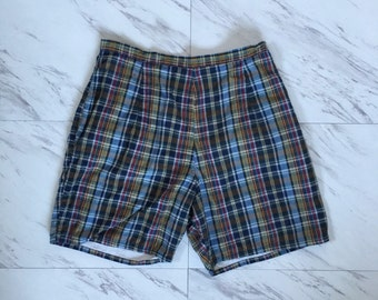 Vintage 1950s plaid shorts / camp shorts / cotyon shorts high waist shorts