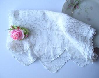 Vintage Table Runner White Filet Crochet Floral Cottage Chic