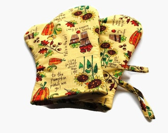 Handmade Oven Mitts Autumn set of 2 Fall Yellow Apples Sunflowers Leaves Acorns Pumpkins