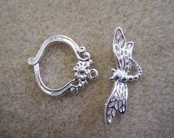 Whimsical Dragonfly Toggle Clasp Silver Plated Toggles 21mm x 18mm 5 Sets F20972T