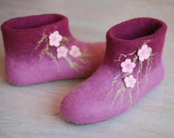 Ready to ship- size 34-35 US4.5   felted slippers  last minute gift