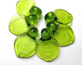 Flat Leaf Glass Leaves Artisan Lampwork Beads in Lime Grass Green