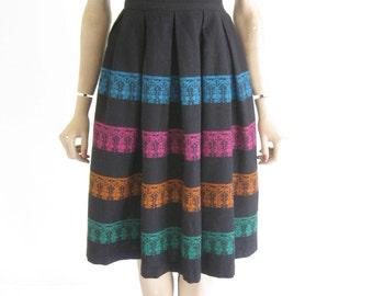 Vintage 50's Wool Folk Skirt. Size X Small
