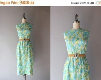 STOREWIDE SALE 1960s Dress / Vintage 60s Fitted Cotton Dress / 50s Summer Day Dress