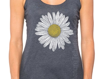 Daisy Tank top. Flowers top. Cute Daisy womens Tank. Vintage graphic shirt flower garden indie southern summer fashion tank top Christmas
