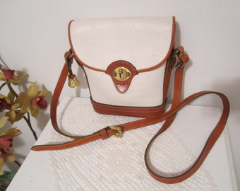 Dooney & Bourkey Leather Cross Body / Shoulder Bag Crossbody