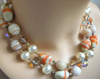 Vintage 1960s pumpkin spice salted caramel 2 strand beaded necklace marbled orange cream and brown art glass beads pearl necklace