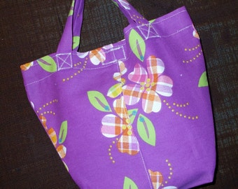 Bag/Purse-13 x 9 inch-the Little Sis Bag with a Plaid Daisy in orange and purple