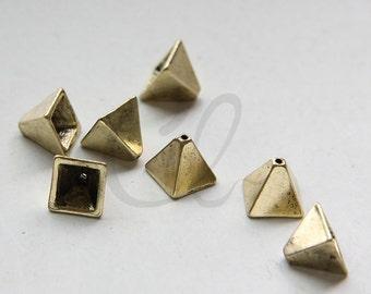 2pcs Antique Brass Tone Base Metal Pyramid Bead Cap - 11x10mm (3114C-M-232)