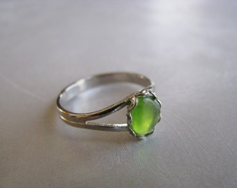Beach Glass Jewelry - Sea Glass Ring - Kelly Green Ring - Beach Glass Ring