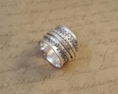 """Sterling silver spinner ring, size 8, 5/8"""" wide, scalloped ring, hammered ring, hand stamped, leafy whimsical border, oxidized, worry ring"""