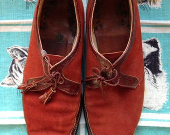 50's rusty suede and Alligator embossed spectators. Mens size 8.