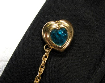 Sweater Clip Emerald Green Heart Jewel Gold Edging Vintage Inspired Upcycled Accessories Closure for your Wrap Jacket Clasp