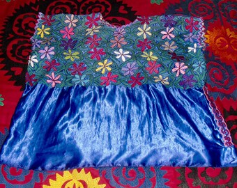 Vintage Mexican Embroidered  Huipil on Satin sz L
