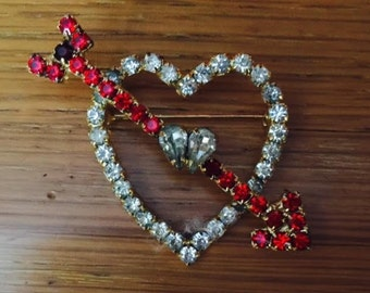 Rhinestone heart brooch pin