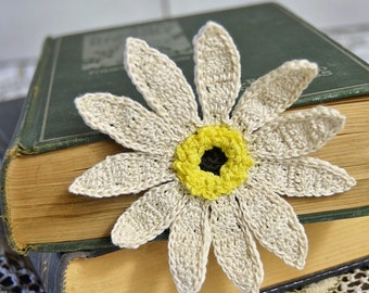 Handmade Bookmark Gift - Crochet Gift - Booklover - Gift for Her - Flower Lover