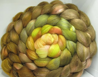 Organic Polwarth/Bombyx 80/20 Roving Combed Top 5oz - Bowtruckle 1