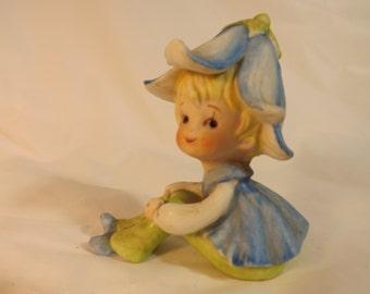 FREE SHIPPING vintage pixie elf figurine  (Vault 14)