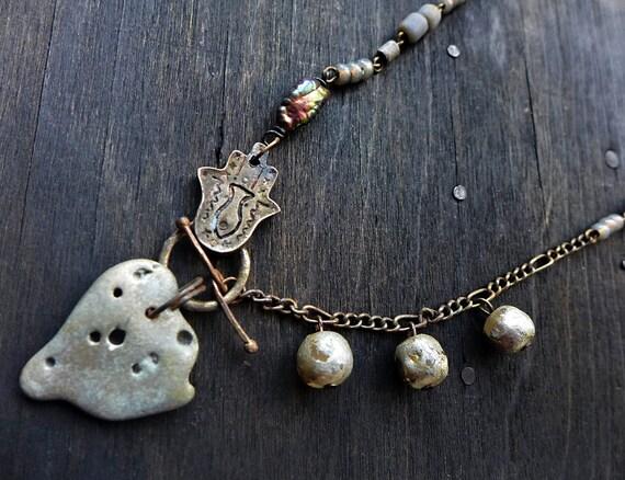 Crepuscule. Grey stone choker necklace.