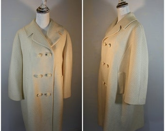 On Sale Vintage 1950s Ivory Wool Womens Coat Size XL / Union Made USA