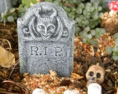 Halloween Miniature Fairy Garden  RIP Tombstone Grave Marker  horned gargoyle     terrarium miniature ceramic