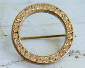 Antique Rhinestone Circle Brooch Gold Tone C clasp