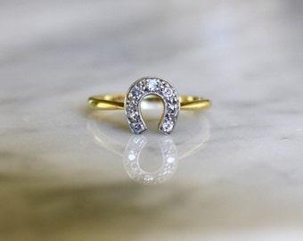 VICTORIAN DIAMOND HORSESHOE 18k minecut platinum antique vintage ring circa 1890s size 5