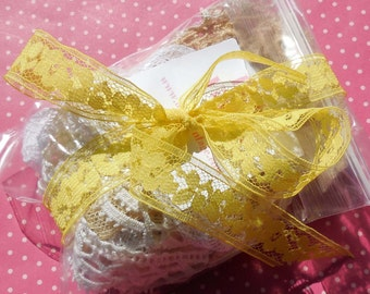 Vintage Lace Trim Goodie Bag Large Lace Grab Bag Mixed Laces