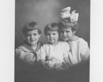 original 1915 photograph three young girls